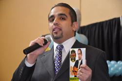 Carlos Flores, escritor