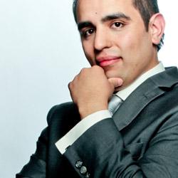 Carlos Flores, Conferenciante