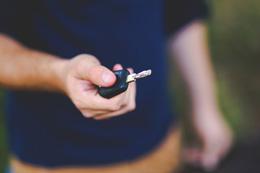 Renting de automoviles, de Pixabay