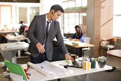 Ruido en trabajo decisivo para empeorar la productividad for Ruido oficina