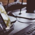Smartphone en trabajo, de Pixabay