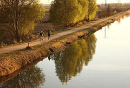 Paseo en bici por Canal de Castilla, de Open