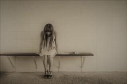Mujer en exclusión social, de Pixabay