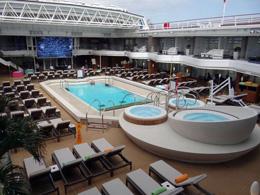 Cine en piscina de barco, de Rumbo Cruceros