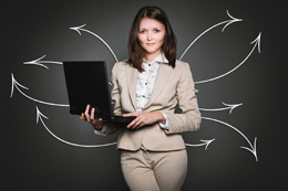 Mujer directiva jóven, de Pixabay