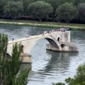 Puente de Avignon, de Open