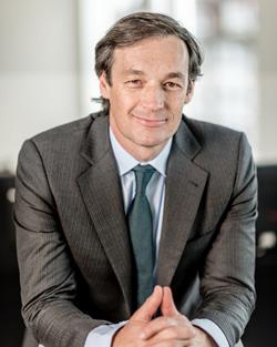 Alejandro Zurbano, de Intrum Justitia y Lindorff
