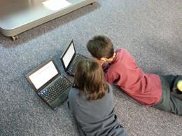 Niños en Internet, de Pixabay