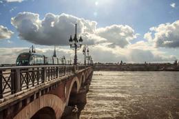 Puente en Burdeos, de Open