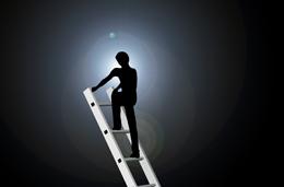 Ascender al exito, de Pixabay