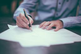 Contrato de trabajo, de Pixabay