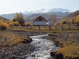 Río Charyn al final del Cañón de Charyn, de Open