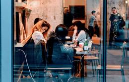 Trabajadores de pequeña empresa, de Pixabay