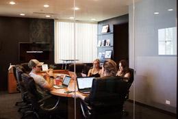 Reunión en empresa familiar, de Pixabay